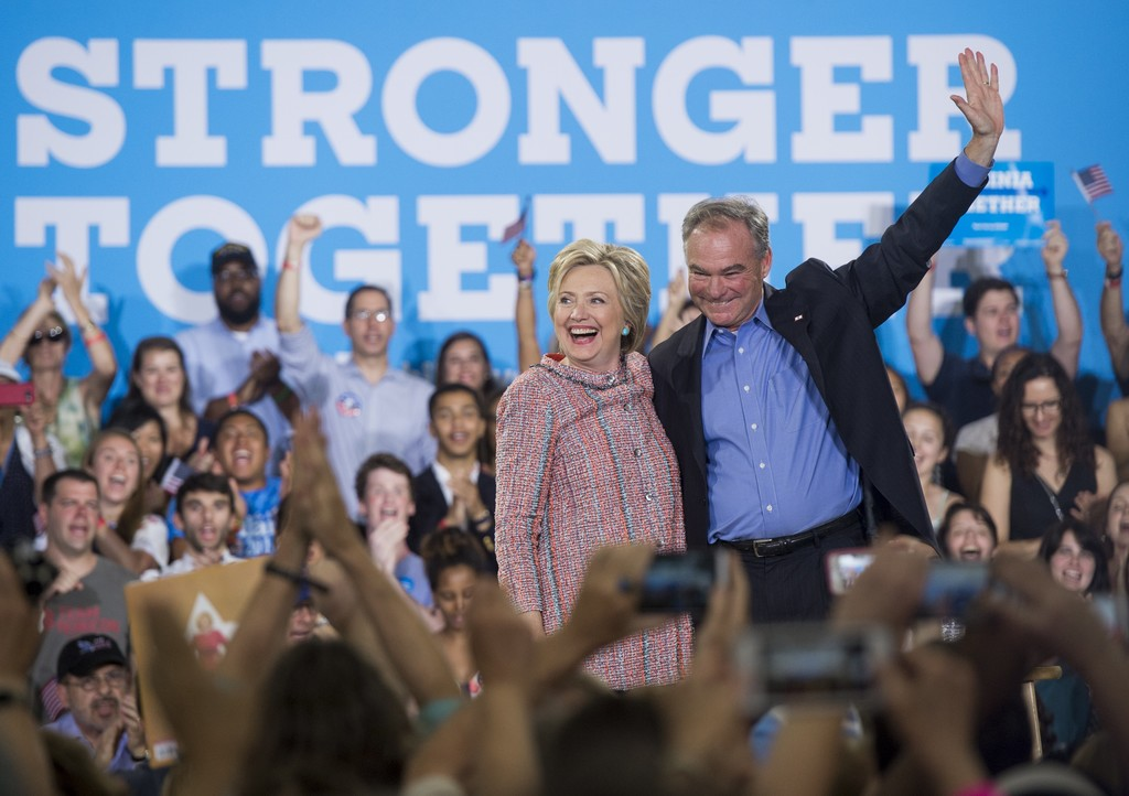 Hillary+Clinton+Campaigns+Tim+Kaine+Virginia+83VsLlthcHkx