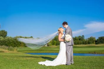 Buffalo Wedding Bridal Bouquet by Lipinoga Florist (11)