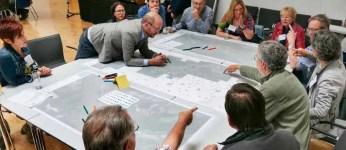 Ideen sammeln auf einer großen Karte beim Workshop in Boppard. (Foto: RMP)