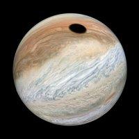 Агентство NASA опубликовало снимки солнечного затмения на Юпитере (4 фото)