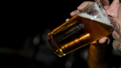La vente d'alcool à emporter interdite à Annecy les soirs de matchs de l'équipe de France