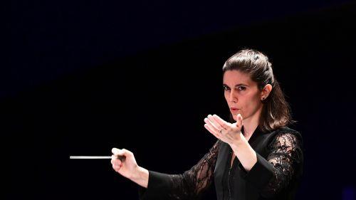 La lyonnaise Chloé Dufresne récompensée au 57e concours international de jeunes chefs d'orchestre de Besançon