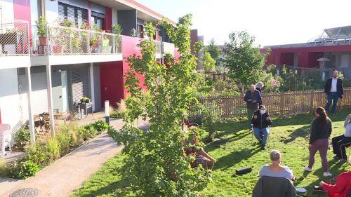 «Cela m'a changé la vie » : étudiants et retraités s'épaulent dans ce village intergénérationnel de Clermont-Ferrand