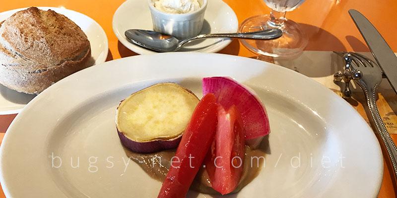 トラットリア タンタボッカ (trattoria Tanta Bocca)前菜とパンの画像
