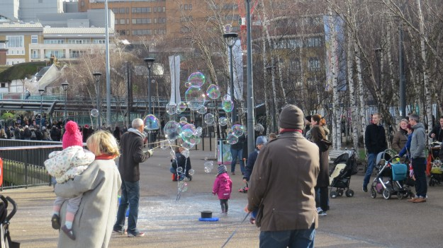 The magic of bubbles - outside Tate Modern