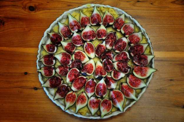 Photo Two (fig tart) by By Rod Waddington from Kergunyah, Australia - Black Genoa Fig Tart, CC BY-SA 2.0, https://commons.wikimedia.org/w/index.php?curid=29767335