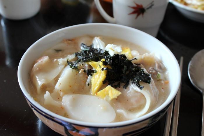 rice cake and dumpling soup
