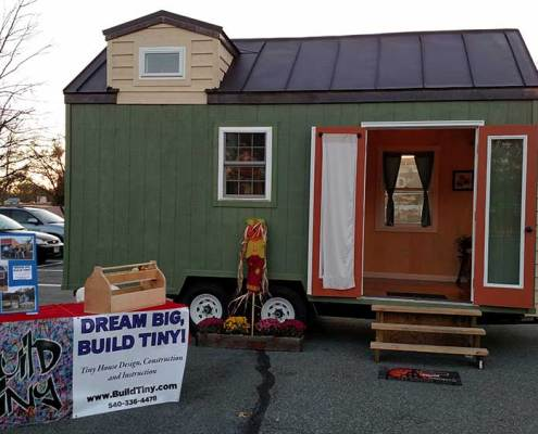 Halloween Hustle Build Tiny house dispaly