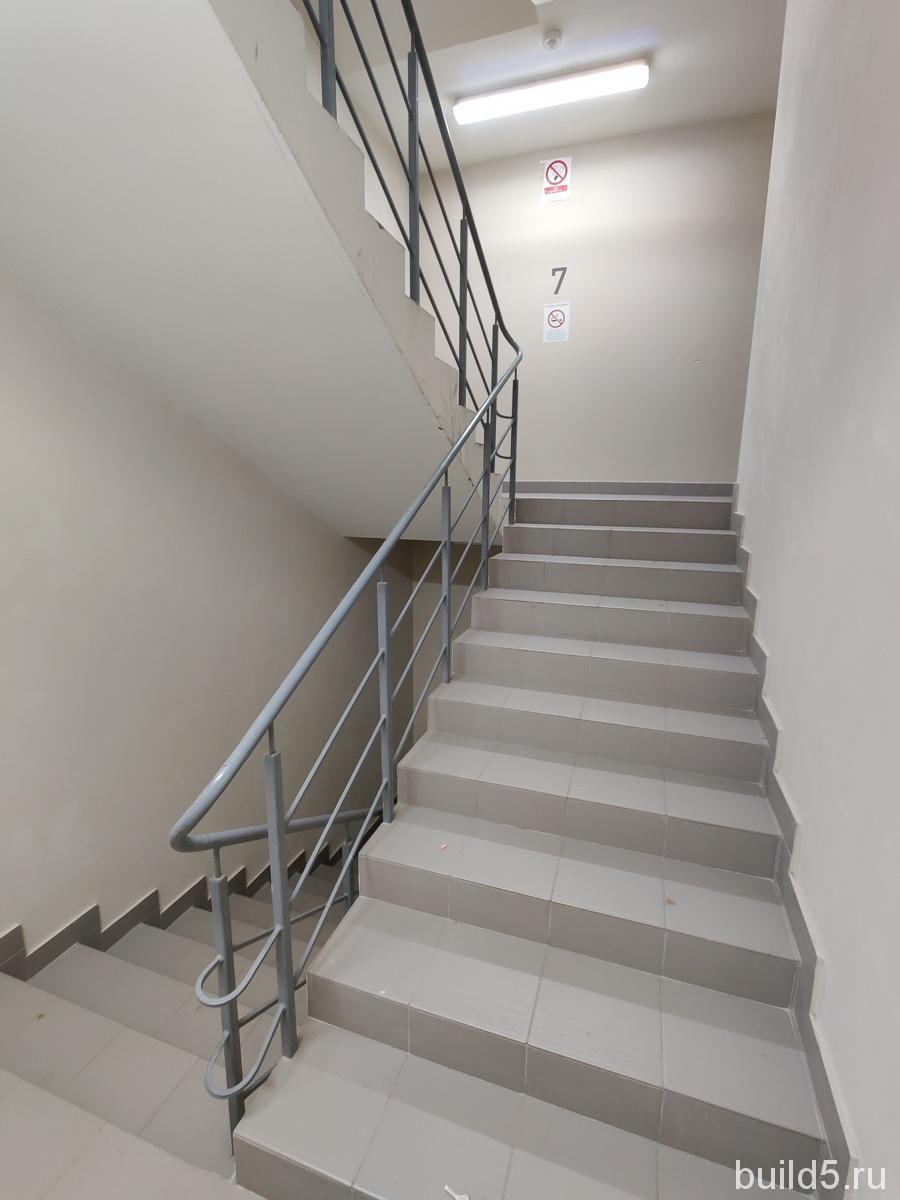 жк домашний  2021 лестница