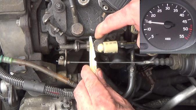 Faire tourner le moteur entre 1500 et 2000 tours/min
