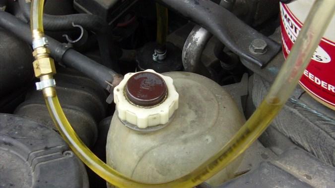 La présence d'air dans le tuyau du Power Bleeder est tout à fait normale