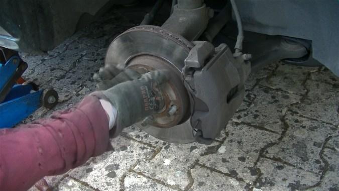 Déposer les rondelles du disque de frein