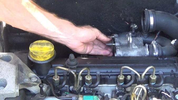Reposer le joint métallique