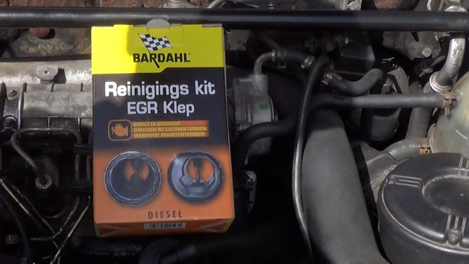kit Bardahl référence 9010 avec pulvérisation sans démontage de la vanne EGR