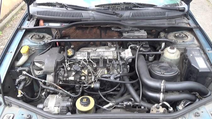 Laisser tourner le moteur jusqu'à qu'il atteigne sa température normale d'utilisation