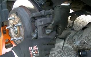 Changer des plaquettes de frein arriere honda