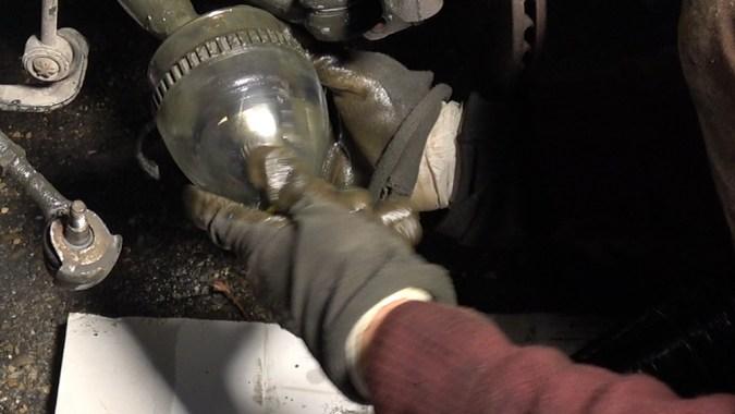 La bouteille plastique va assurer la transition entre le cône et le cardan