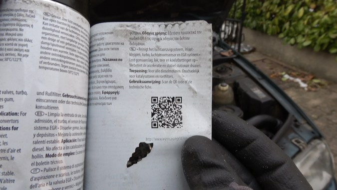 """Il est écrit """"Scannez le QR code ou voir la fiche technique"""". Le QR code vous amène sur le site du fabricant http://www.wynns.eu/egr3d.htm"""