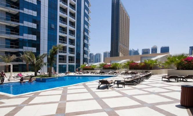 Bay Central Tower Dubai Marina - Swimming Pool