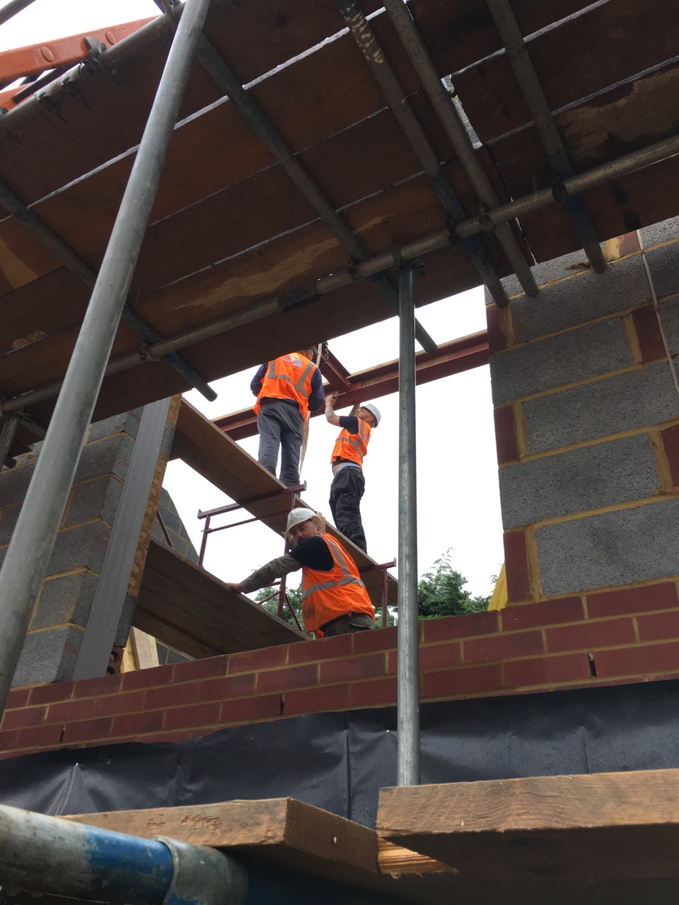 Securing ridge beams