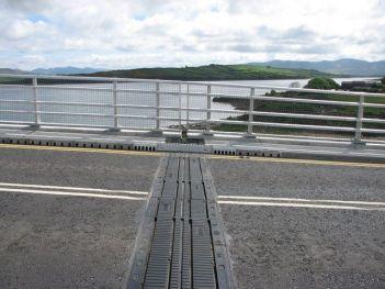 Movement joints in bridges