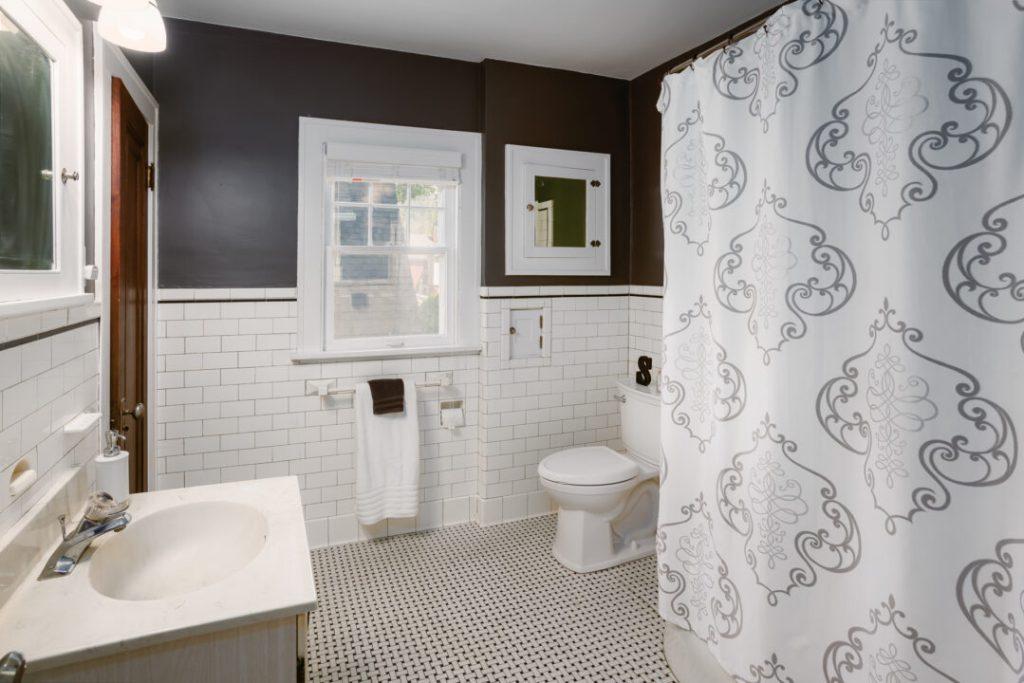 1920's original tile bathroom | #homerenovation #historicpreservation #restoration #vintage #historichomes