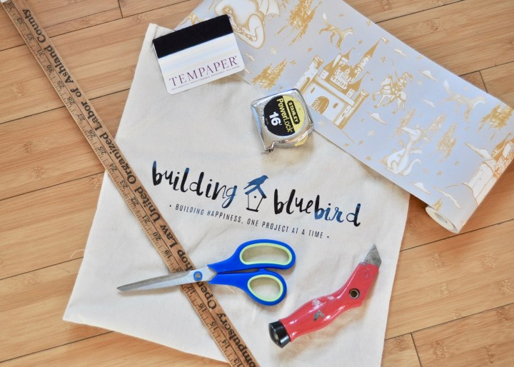How to wallpaper your staircase with this simple DIY | Building Bluebird  #tempaperdesigns #removablewallpaper #wallpaper #staircase