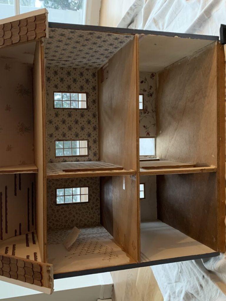 Old dollhouse interior