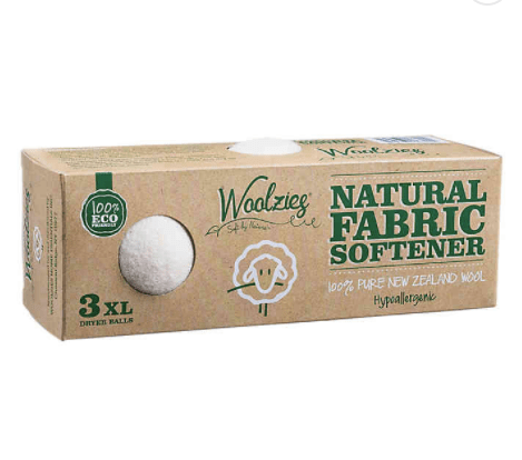 Skip dryer sheets and use dryer balls for a more green laundry room  Building Bluebird #woolzies #green #sustainableliving