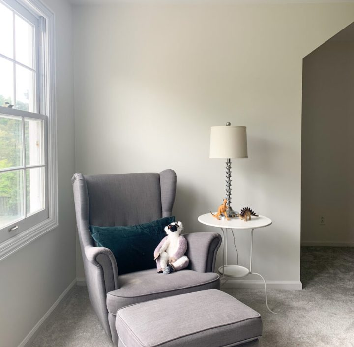 Simple tutorial for painting a room with carpeting | Building Bluebird #diy #paint #tutorial