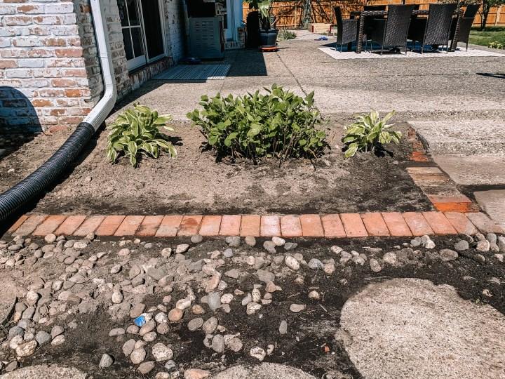 Beginner's DIY - How to install a brick border around your flower bed   Building Bluebird #tutorial #englishgarden #landscaping