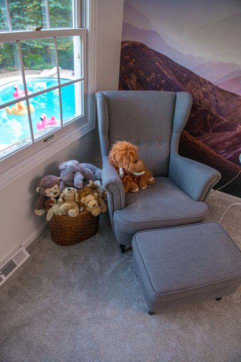 Reading nook in boys bedroom