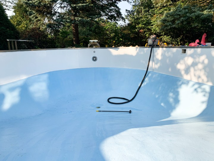 How we painted our pool in less than a week | Building Bluebird #tutorial #paint #diy #homerenovation