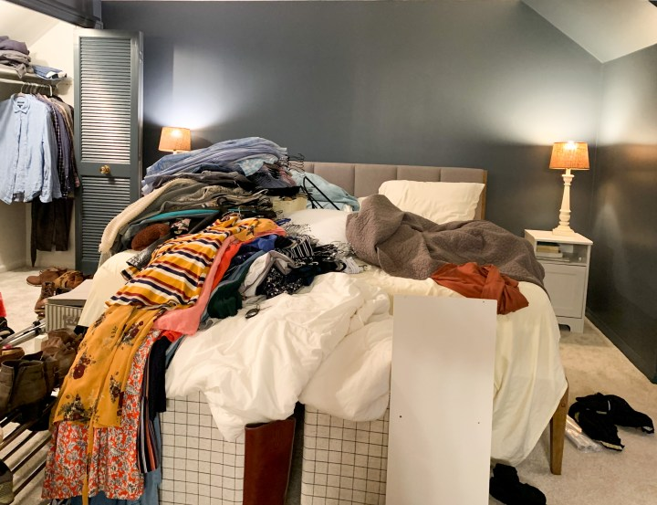 Master bedroom closet organization | Building Bluebird #orc #bhgorc #homeedit #mariekondo #closetmaid #declutter