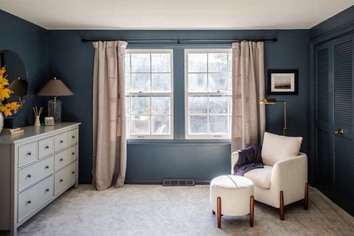 Moody master bedroom makeover - IKEA dresser with round mirror and dark paint on the walls | Building Bluebird #ikeahack #bhgorc #studiomcgee
