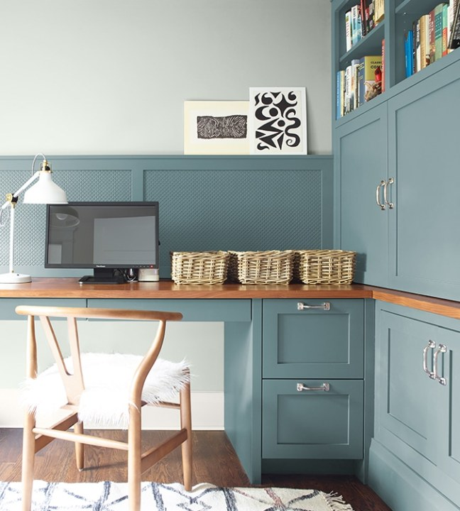 2021 Paint Color Trends - Agean Teal by Benjamin Moore | Building Bluebird #designtrends #paintcolors #homerenovation #diy #coty #2021coty #coloroftheyear