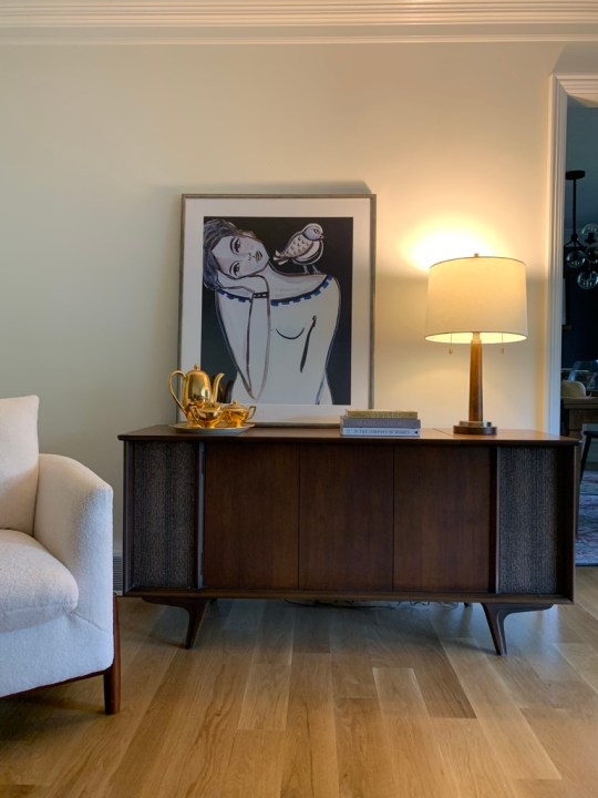 Living room design and finishing touches for the One Room Challenge | Building Bluebird #mcm