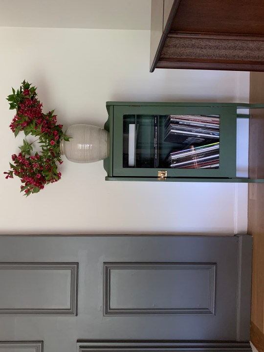 How to paint furniture using a muddy green - Oakmoss by Sherwin Williams | Building Bluebird #heidicaillier #moodygreen #sw6180 #musicrollcabinet