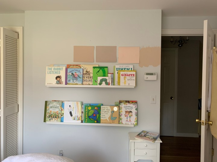 Scalloped shelves DIY in this vintage inspired girls bedroom | Building Bluebird #cottagecore #bhgorc #grandmillennial #ikeahack