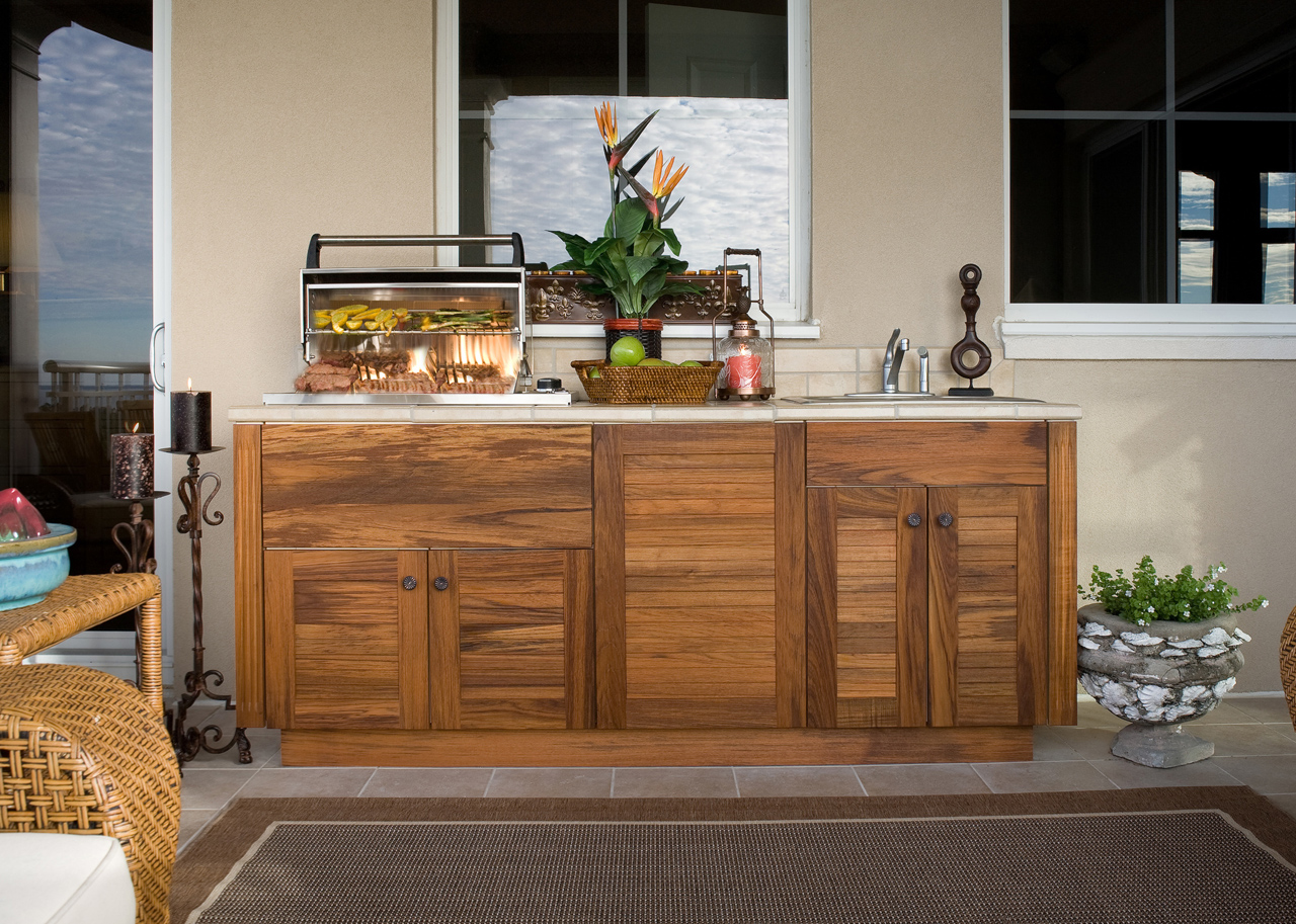 building outdoor kitchen cabinets