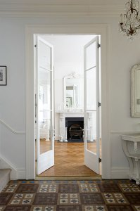jola piesakowska buildmumahouse living room doors