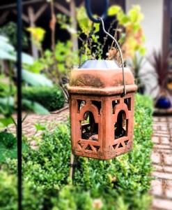 buildmumahouse Lantern in the garden 5 steps to an accessible garden jola piesakowska