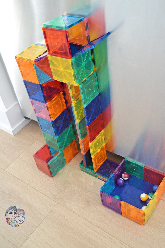 magnetic-tiles-marble-run-using-picasso-magna-kids