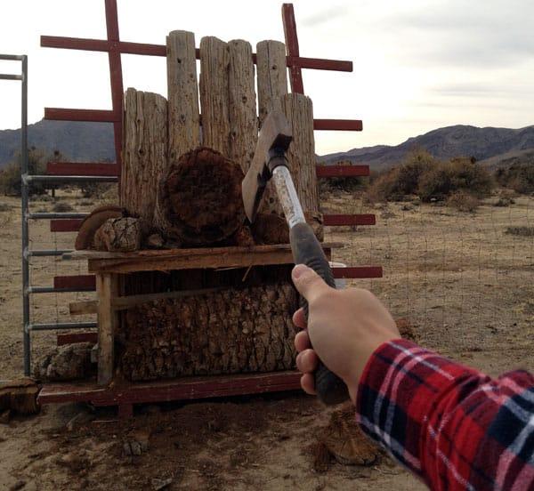 axe-throw-aim