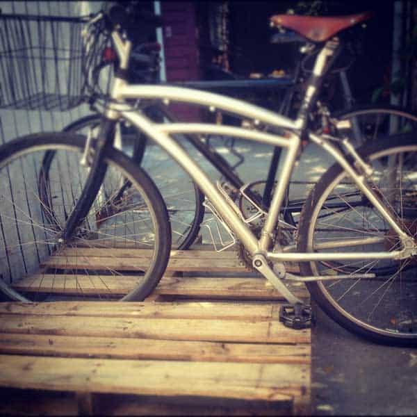 bike-pallet-stand