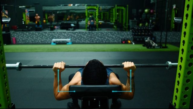 Positioning for incline barbell bench press