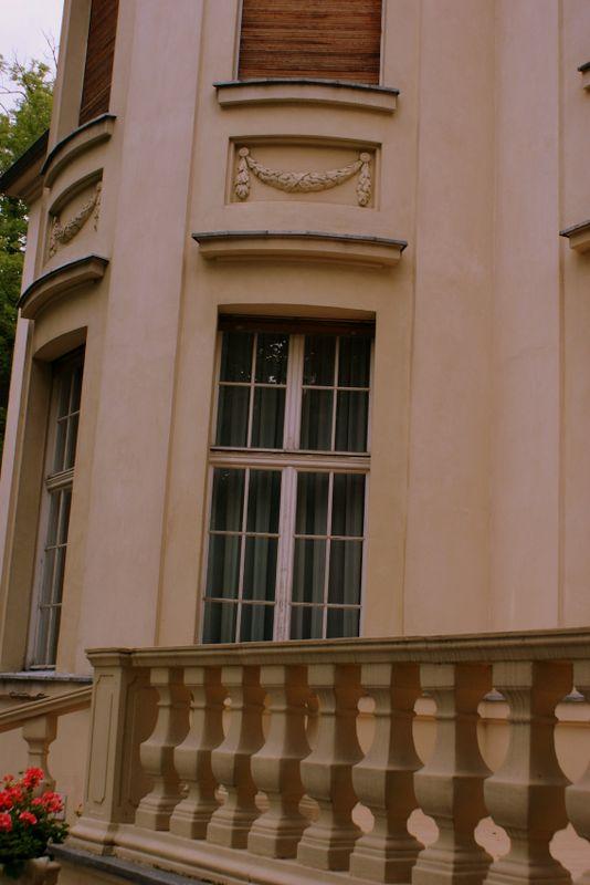Pałac Biedermannów - elewacja budynku od strony ogrodu