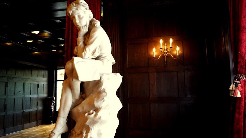 Willa Edwarda Herbsta - Rzeźby w sali balowej