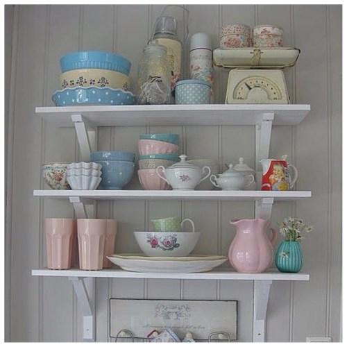 decorar estanterías de cocina