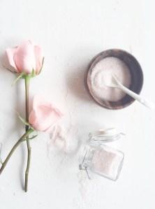 Hazlo tú misma: Exfoliante de Rosas para el cuerpo